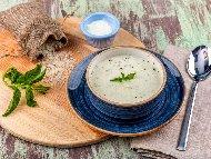 Рецепта Супа Яйла - турска оризова чорба със застройка от жълтък, кисело мляко и брашно